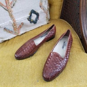 🆕️ Vintage - Brown Leather Woven Flats
